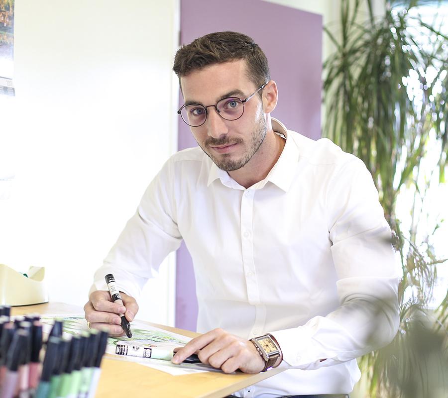 Serrault Jardins est paysagiste à Tours, il vous propose de nombreuses solution pour vos extérieurs.