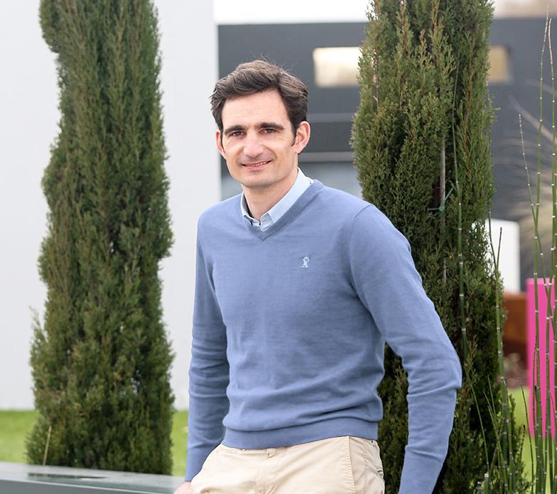 Aurélien Serrault, dirigeant de l'entreprise Serrault Jardins à la Ville aux Dames.