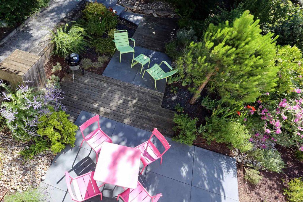Serrault Jardins, paysagiste sur Tours vous propose la création de votre terrasse et de vos massifs.
