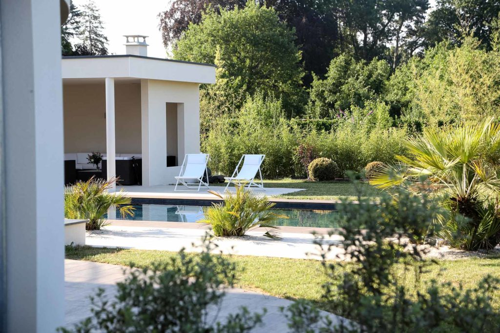 Serrault Jardins, paysagiste aménage vos abords de piscine en Indre et Loire.