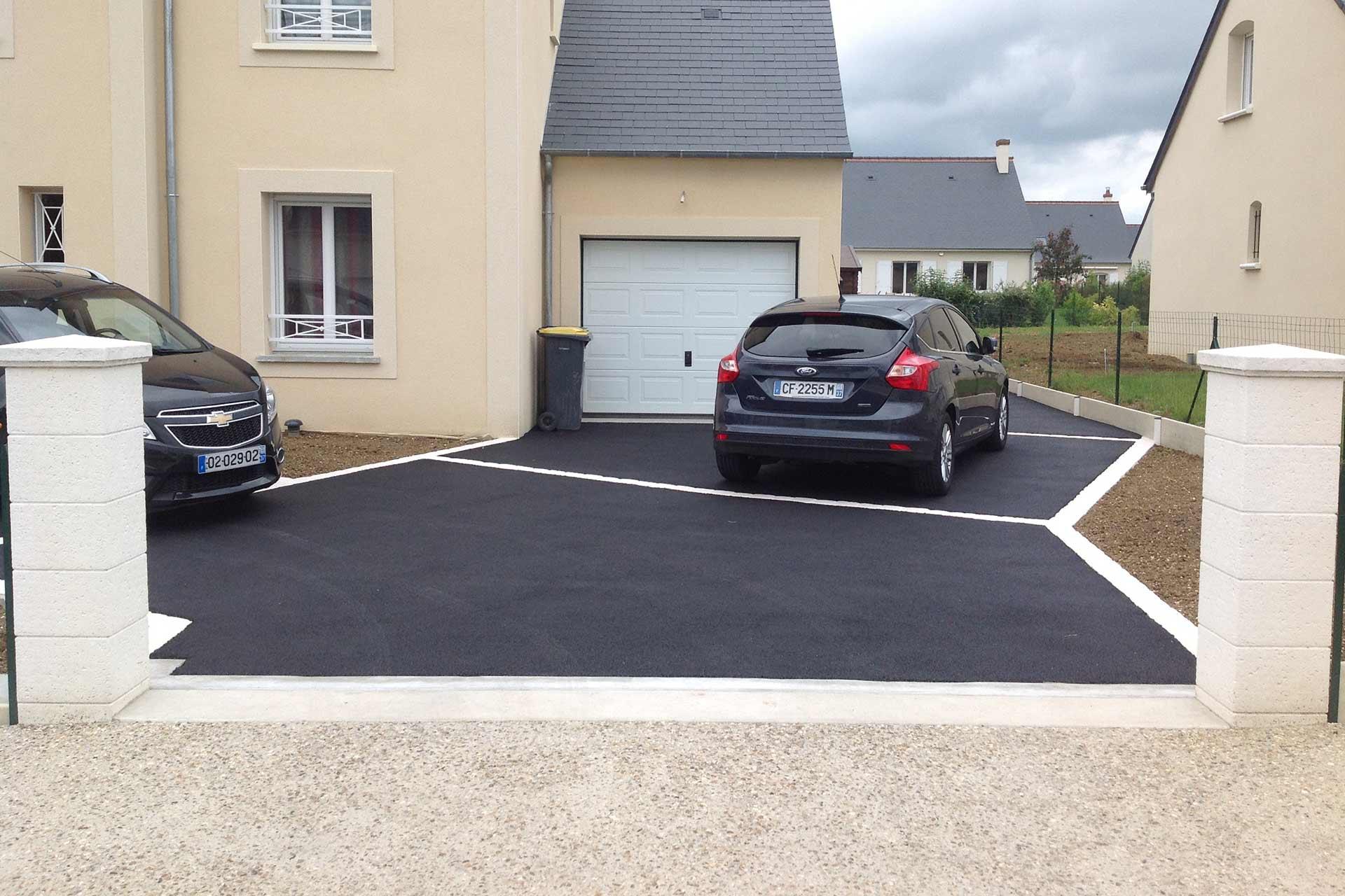 Serrault Jardins, entreprise du paysage vous propose l'aménagement vos allées et accès de garage.