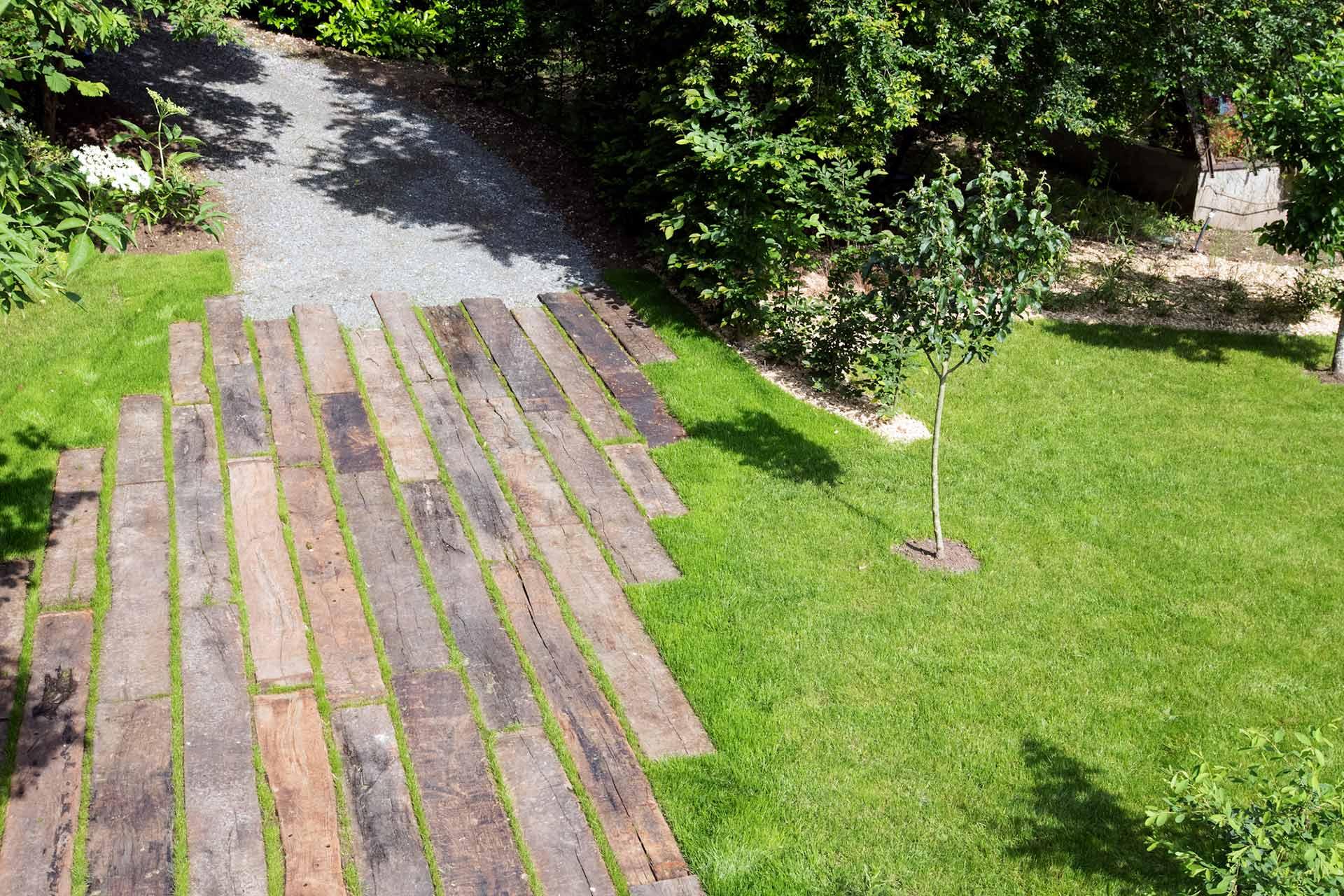 Serrault Jardins, entreprise du paysage propose ses services pour les particulier en Indre et Loire.