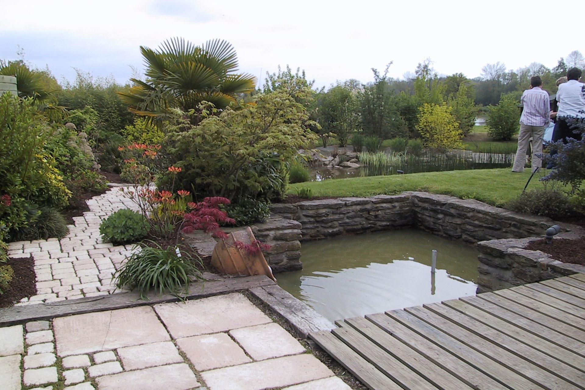 Serrault Jardins, créateur de terrasse en piloti à la Ville aux Dames.