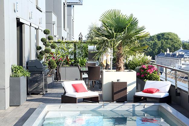 Serrault Jardins, paysagiste depuis plus 38 ans aménage votre balcon terrasse à Tours.