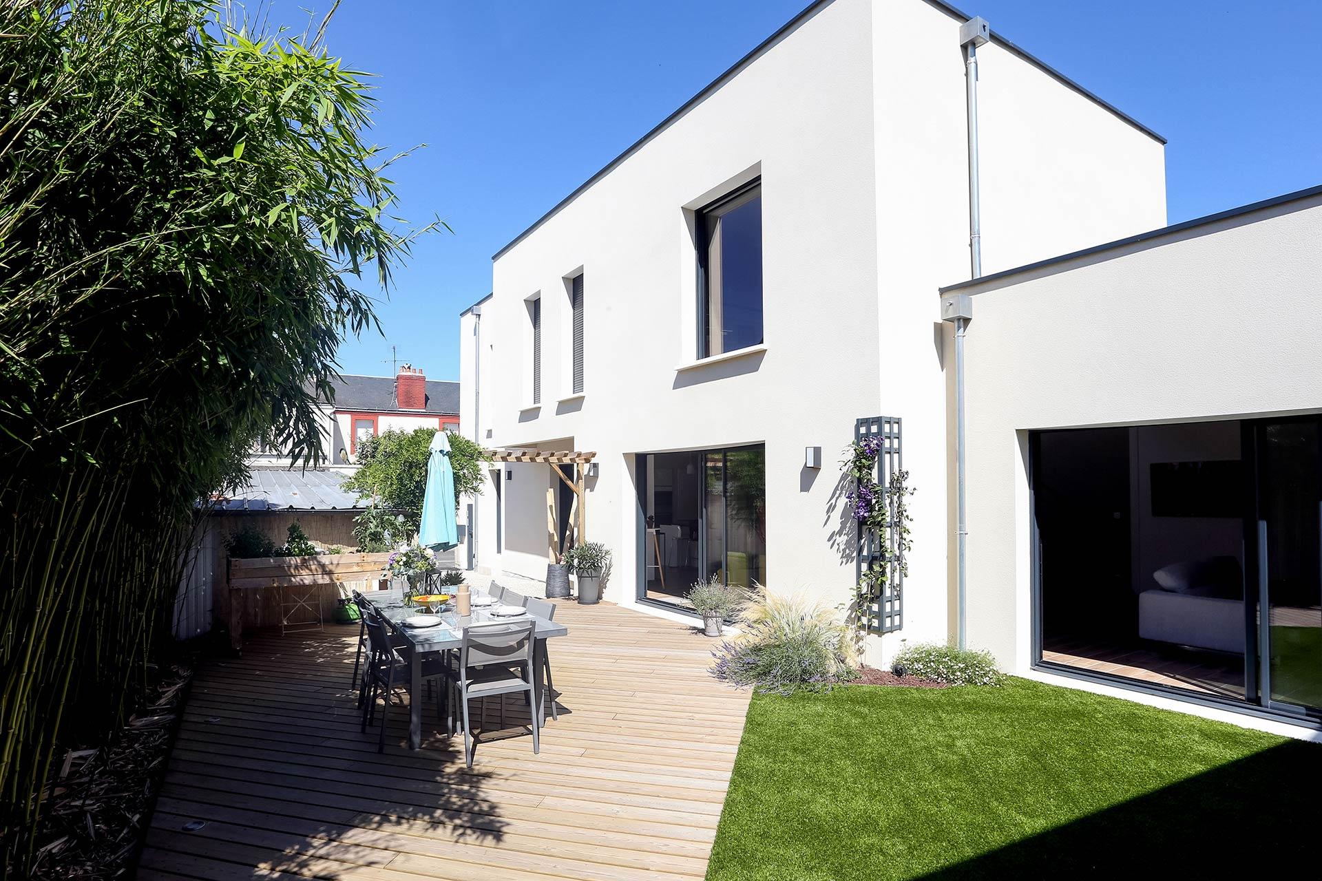 Entreprise du paysage, Serrault Jardins réalise des jardins sur-mesure dans diverses communes comme Rochecorbon.