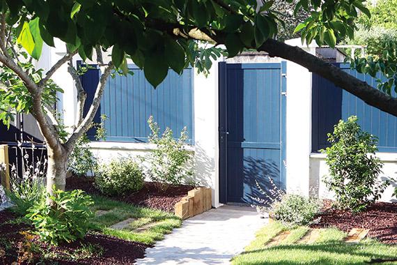 Serrault Jardins vous propose une large gamme de portails et de clôtures haut de gamme.