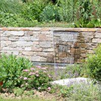 Jardinier paysagiste en Indre-et-loire dans le 37, Serrault Jardins conçoit des terrasses.