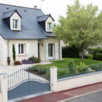 Paysagiste à la Ville aux Dames, Serrault Jardins vous propose des clôtures et portails.