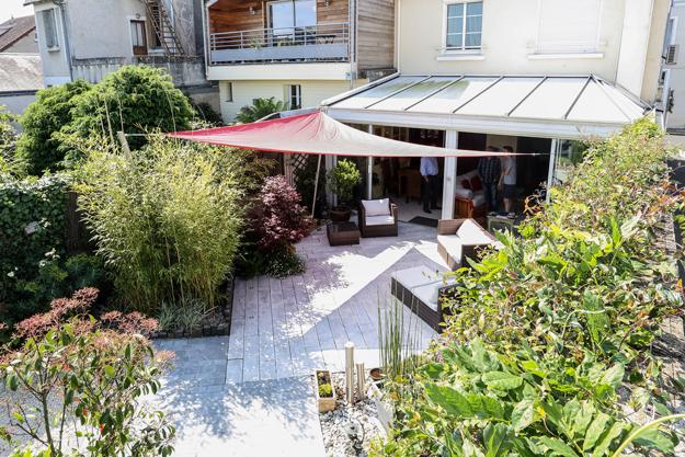 Serrault Jardins, paysagiste en Indre et Loire. vous propose ses services pour vos terrasses en bois.