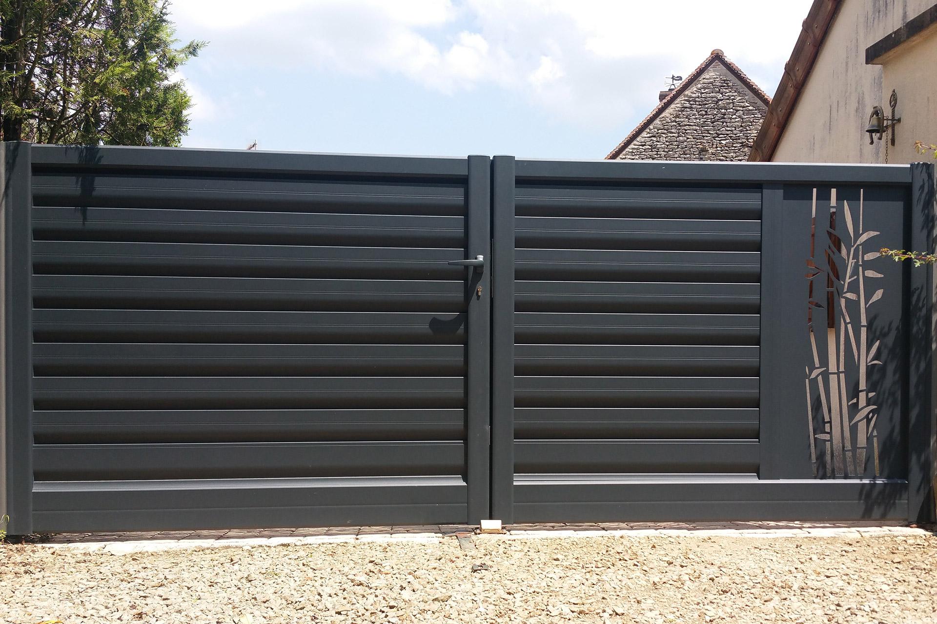 Serrault Jardins, vous propose différentes solutions pour votre portail.