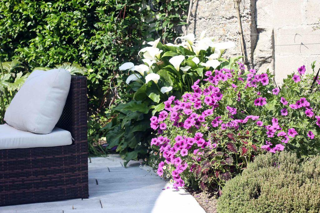 Paysagiste en Indre et Loire, Serrault Jardins réalise des terrasses, accès, portails, clôtures...