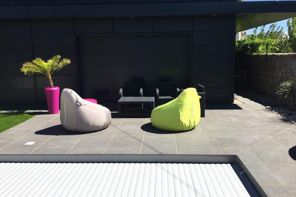 Serrault Jardins crée des terrasses en grès céram.