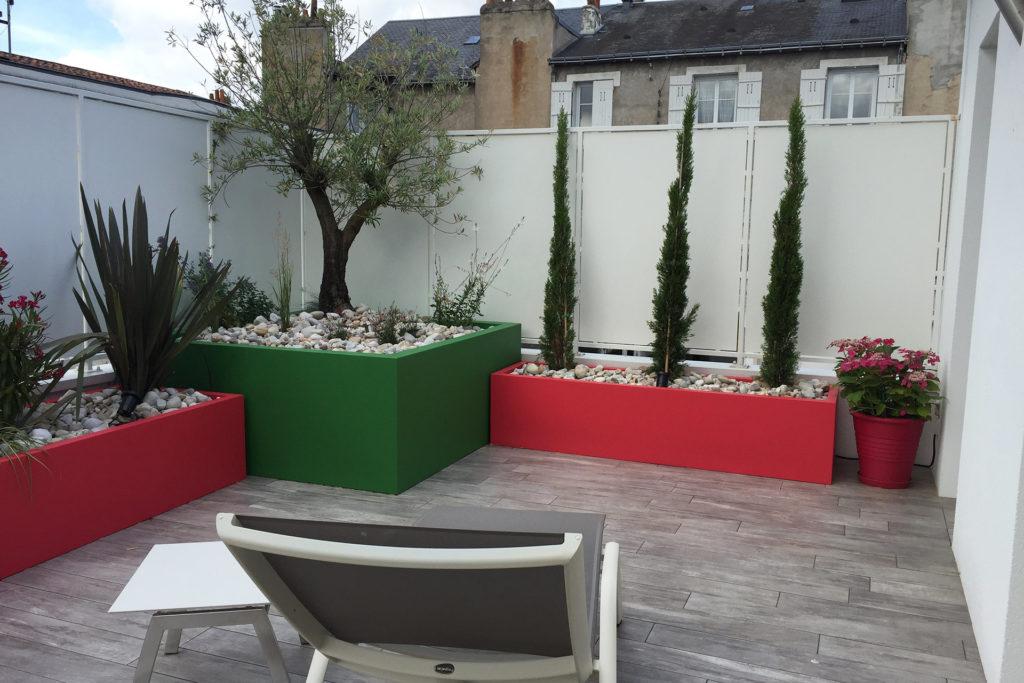 Paysagiste à la Ville aux Dames, dans le 37, aménage votre jardin.