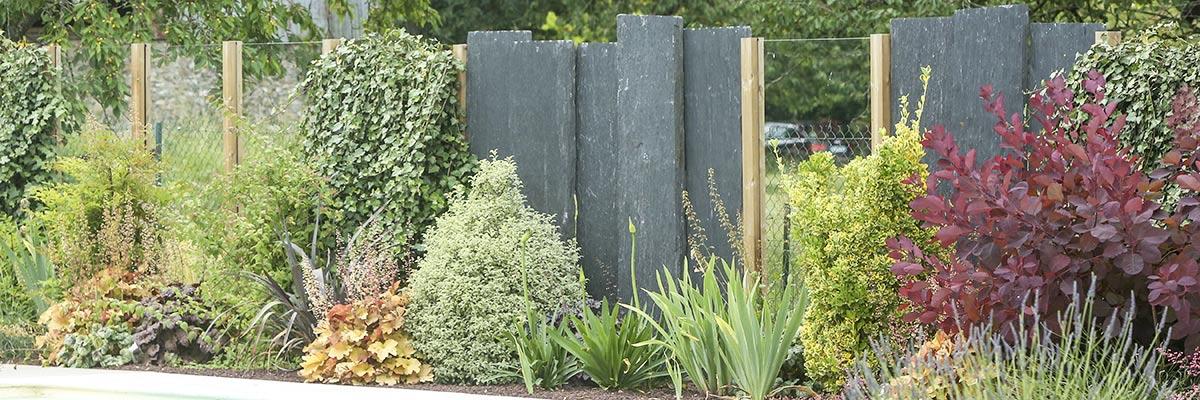 Serrault Jardins vous propose une large gamme de clôture pour votre jardin.